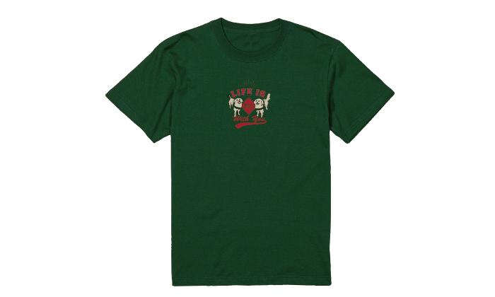 アイビーグリーンのTシャツ
